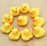 12x Quietsche Bade Ente Badeente Quietscheente Gummiente Entchen Spielzeug
